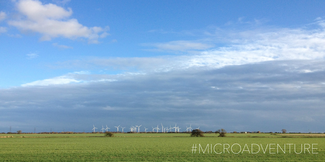 Flat horizon and wind turbines