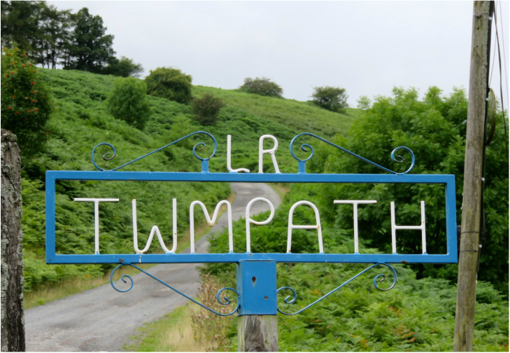 Sign: Twmpath