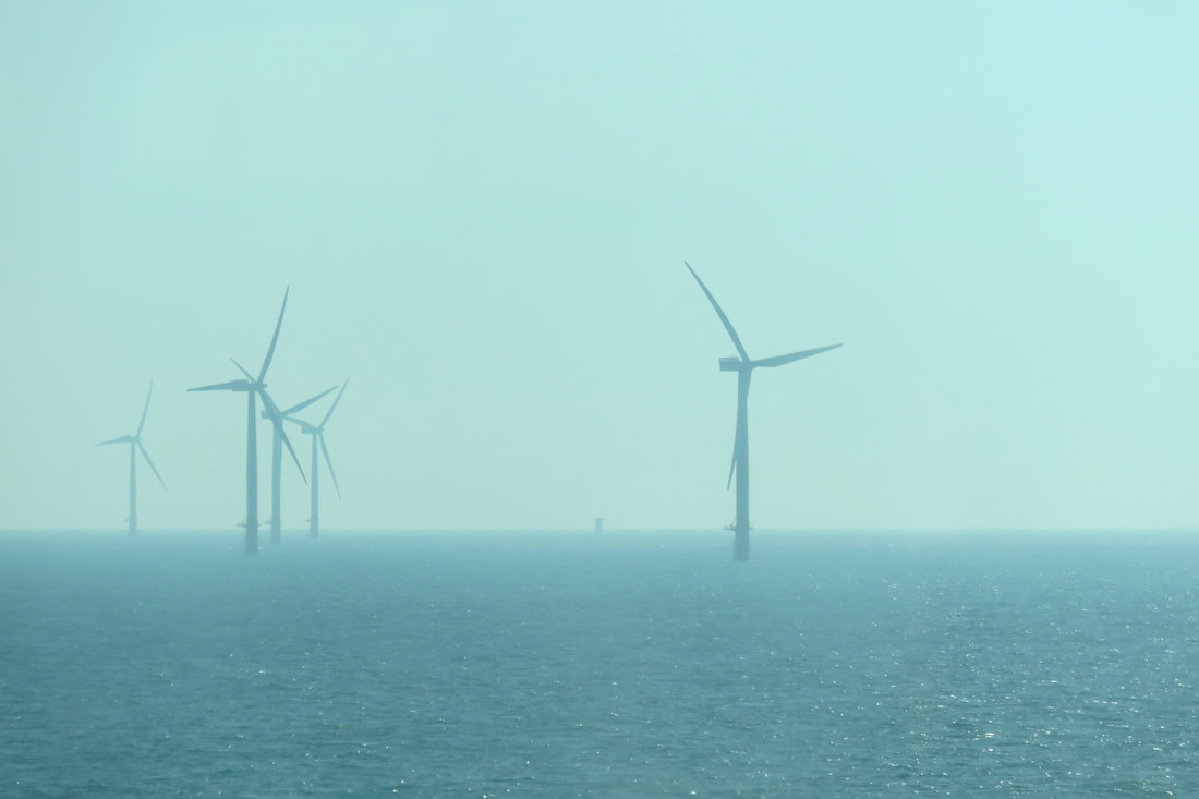 5 wind turbines in the sea